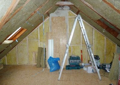 Beplanken der Dachschrägen mit OSB-Platten & Gipskarton